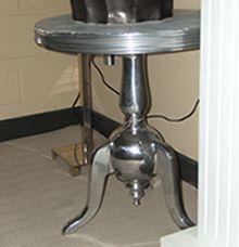 webwinkel bijzettafel zilver nic duysens bestellen. Black Bedroom Furniture Sets. Home Design Ideas