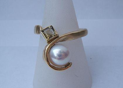 Ring Toermalijn Witte Parel Geelgoud
